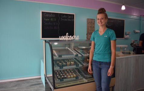 17 year-old girl opens her own bakery in downtown Ashland